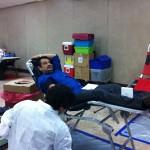 Alberto Torreblanca gives blood
