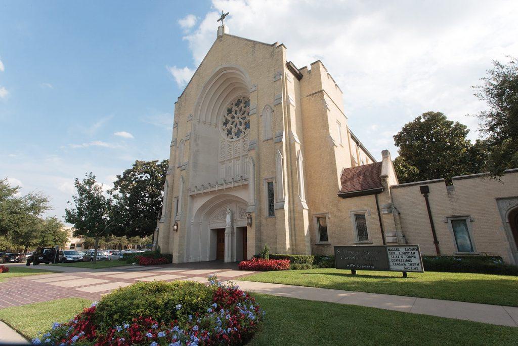St-Thomas-Aquinas-Catholic-Church-Dallas