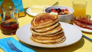 breakfast-pancakes-bacon